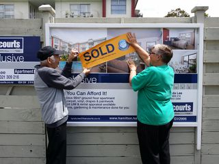 Very cute, buyers couldn't wait to put sold sign up on their new apartment in Hunter Street!