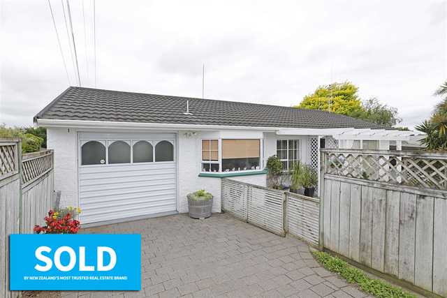 26A Houchens Road, Glenview SOLD